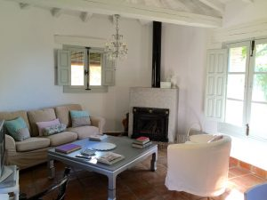 Foto-salon-nuevo2-Casa-Rural-El-Vergel-de-Chilla
